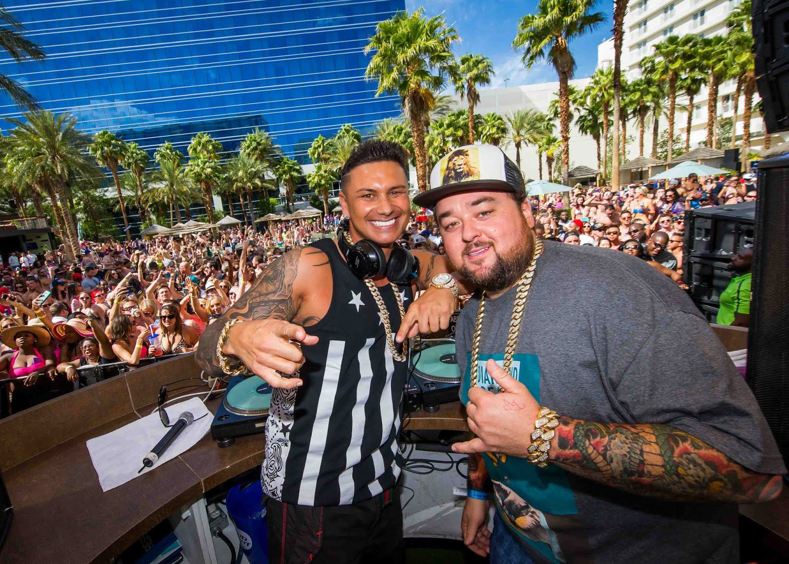 Dj PAULY D and Chumlee