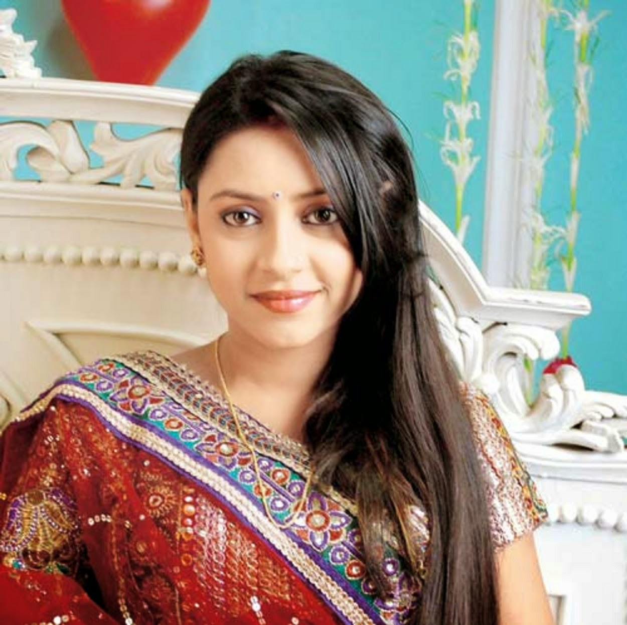 pratyusha-banerjee-beautiful-wallpapers-1