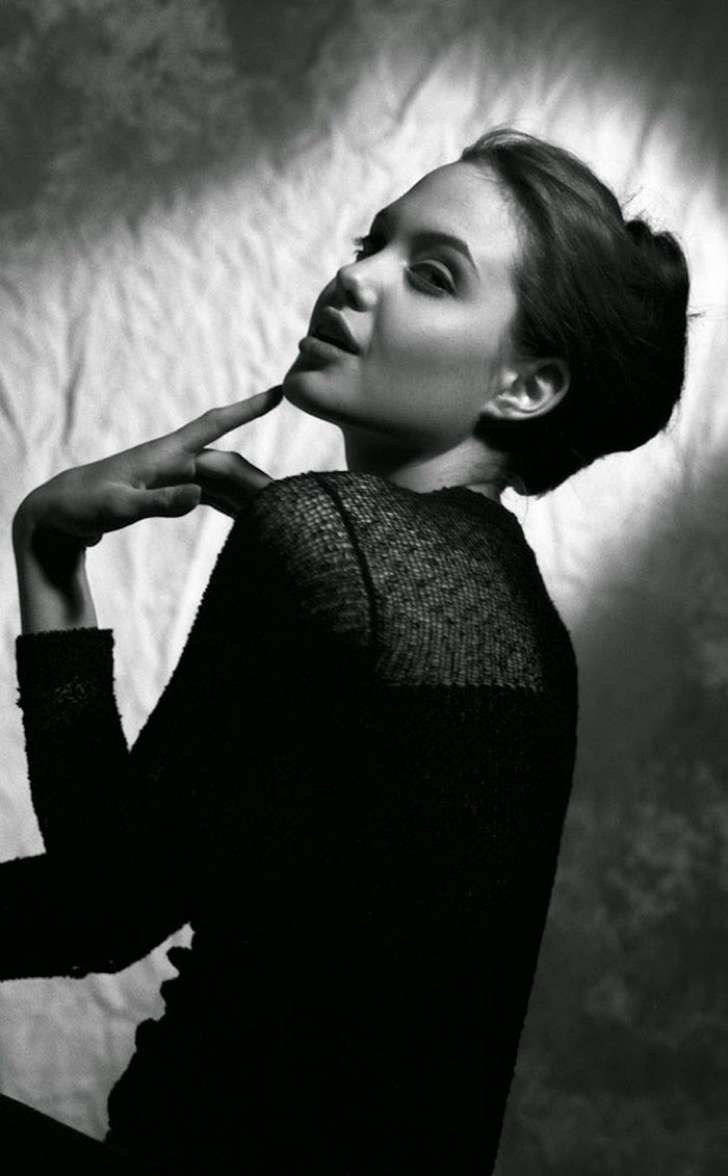 angelina-jolie-young-15-years-old-harry-langdon-4 2